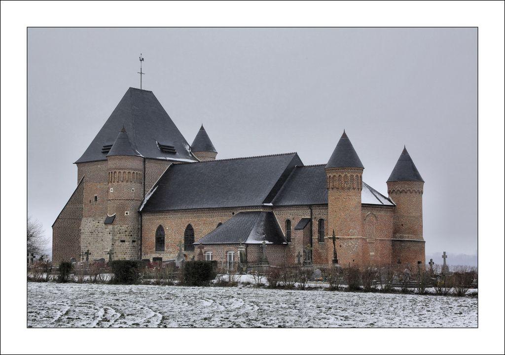 église fortifiée de Beaurain , Picardie