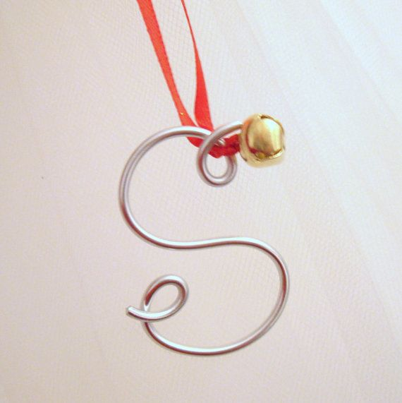 Gold Wire Letter Ornament Gift TieOn or by MySuspendedMoments diy
