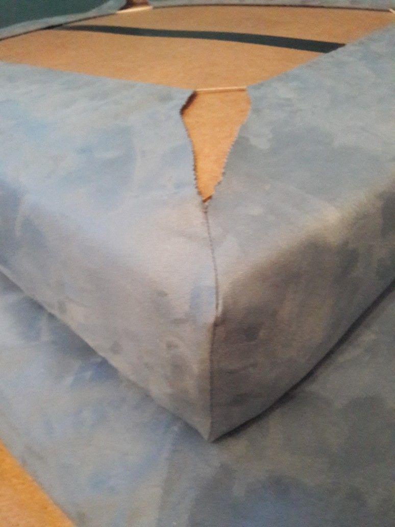 Sitzecke Selber Machen Alte Matratze Als Sitzecke Recyceln Matratze Zuschneiden Mit Mobelstoff Beziehen Ecken Nahen Und Alte Matratze Sitzecke Ecken Nahen