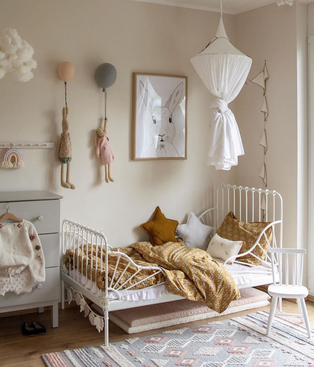 We just love this gorgeous little girl's room by @peschkart 👈🏻😍 Featuring the popular Maileg soft bunnies, we're now offering 20% off all Maileg toys, use code: MAILEG20 💫 . #kidsroom #kidsdecor #kidsroomdecor #kidsroominspo #kidsinterior #nordichome #nordicinspiration .