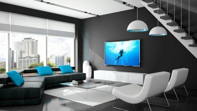 Fernseher-An-Wand-Schwarz-Weiss-Wohnzimmer-Blau-Akzente | خونه ام
