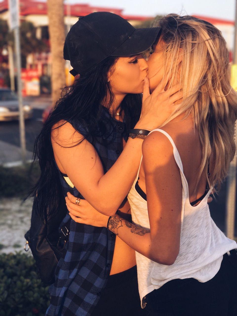 Eroticia lesbea sexo licking