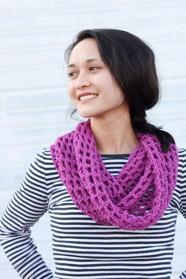 Fuschia Cowl - Free Pattern | Crochet | Pinterest | Cuellos tejidos ...