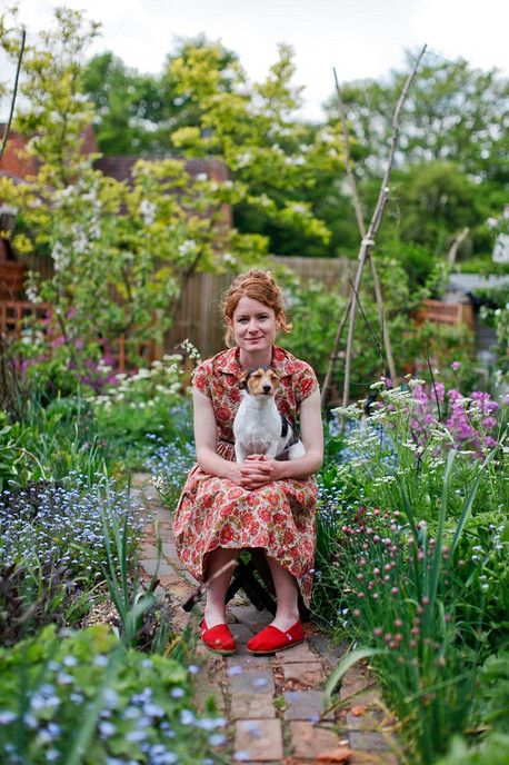 Ihana puutarha ja ihana koira :)