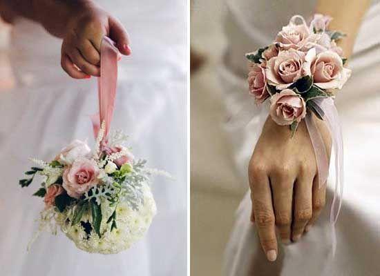 Bouquet Sposa Bracciale.Corsage Da Polso Per Le Damigelle Corsage Matrimoni Rosa E Nozze