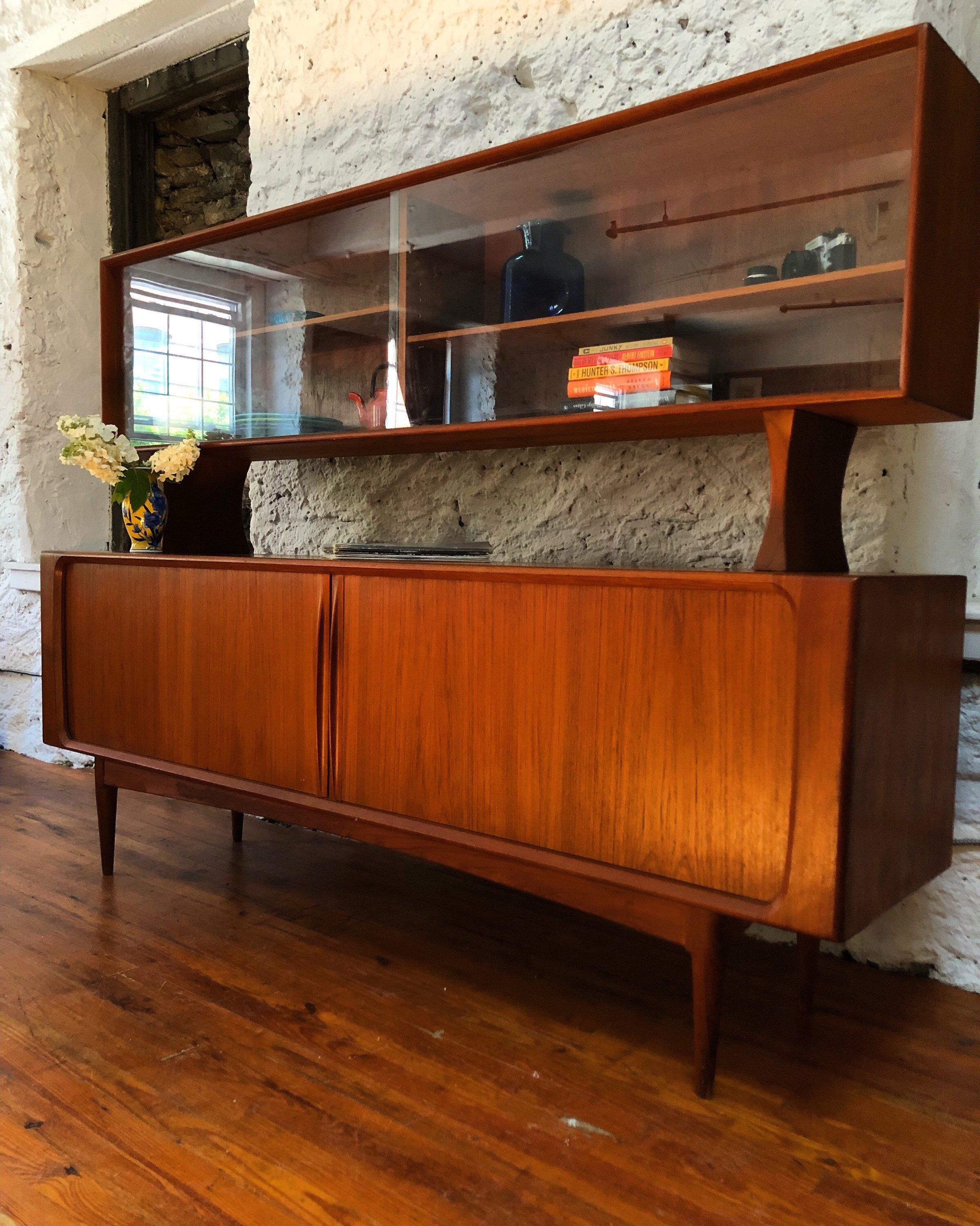 mid century danish modern sideboard mid century buffet mid. Black Bedroom Furniture Sets. Home Design Ideas