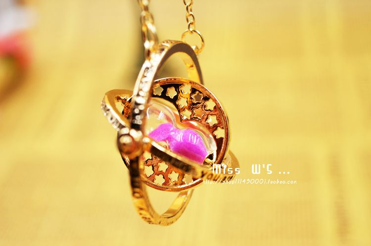 cute harry potter Time-Turner pandant necklace only $3.99 valentine day gift shop at www.costwe.com