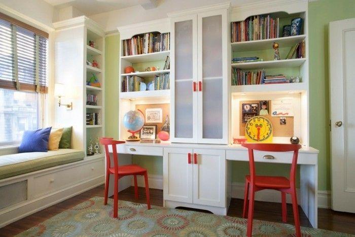 deko ideen kinderzimmer grüne wände weiße möbel globus offene regale