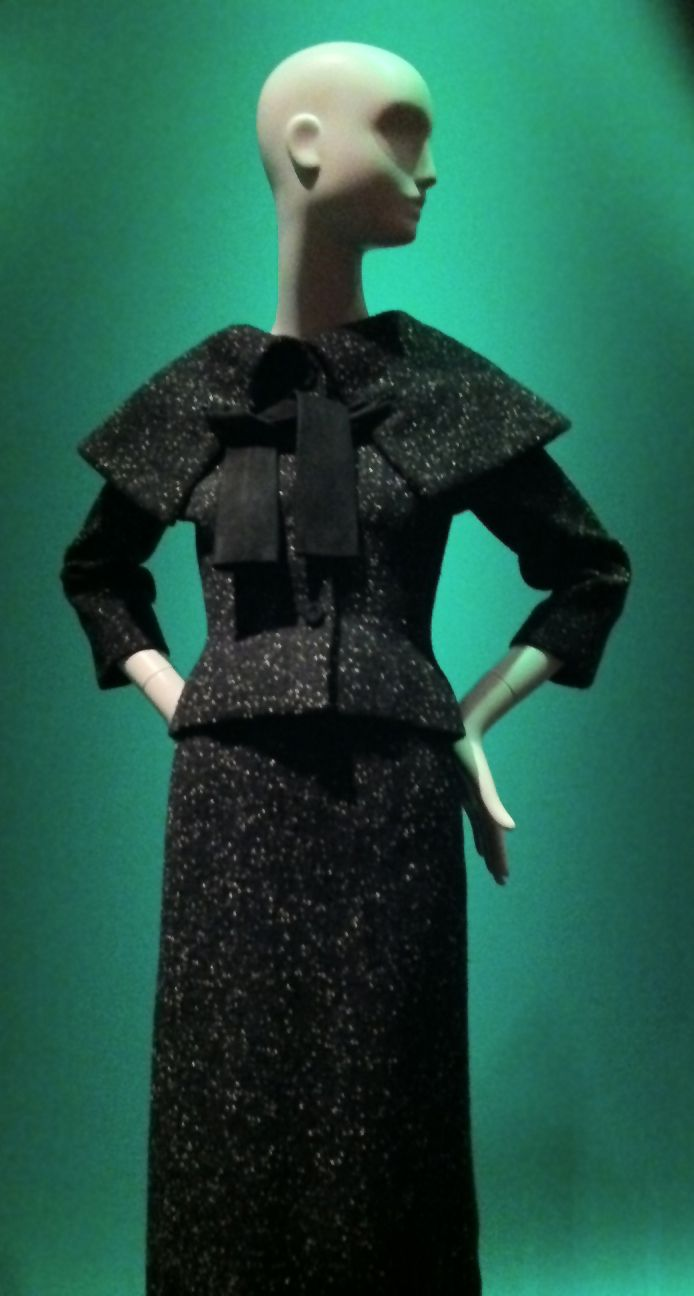 8c8f87bedd10 poet collar -- from the Balenciaga and Spain exhibit at de Young in San  Francisco