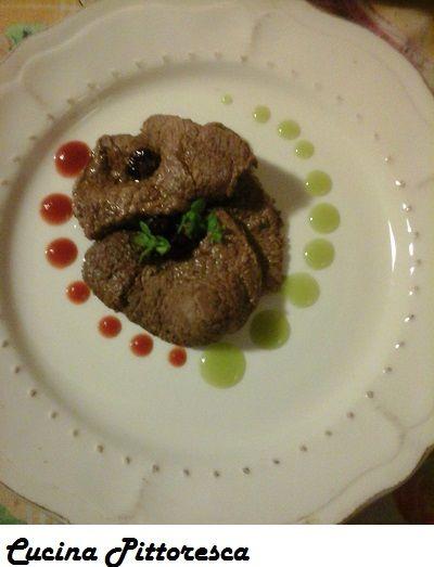 bistecche di cavallo alla melissa e mirtilli- Cucina Pittoresca