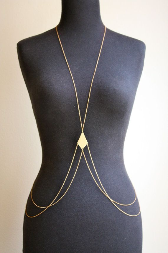 Adorable body necklace. Need to try to make/find one of these.