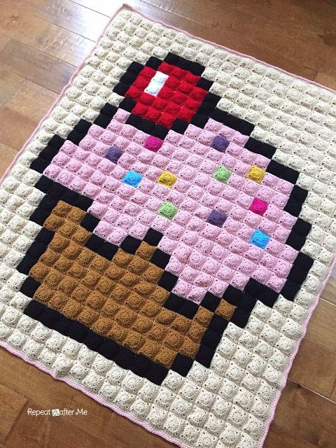 Repeat Crafter Me: Crochet Cupcake Pixel Blanket | decora tu hogar ...