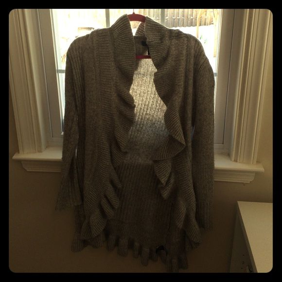 White House black market size small grey sweater Size small cozy grey ruffle sweater White House Black Market Sweaters