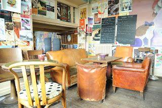 J'ai trouvé Paris sans la prétention folle!: Paris My favoured cafés, Its the interiors that lu...