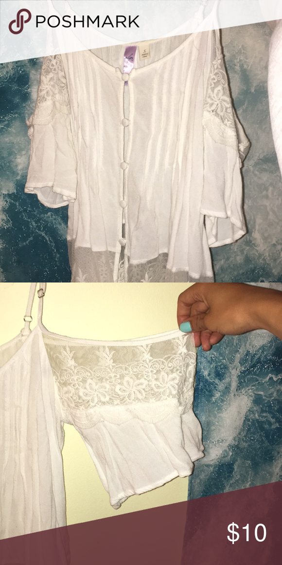 021924ec2a92a1 white Lacey cold shoulder blouse; Francesca's lacy white cold shoulder  blouse in size small from Francesca's; highly detailed top, flowy style, ...