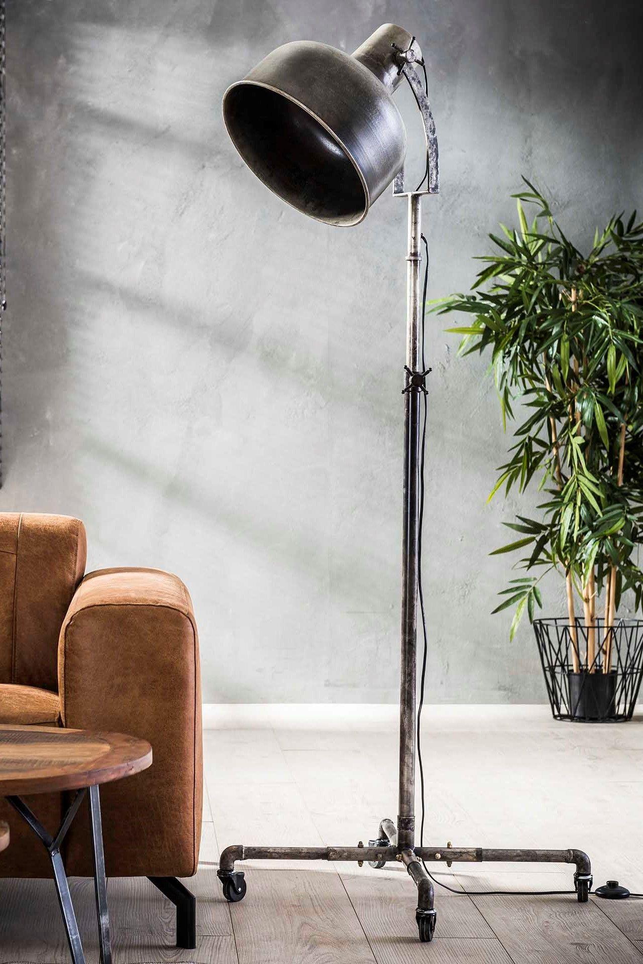 Stehlampe Wheel Wohnaura Lampen Design Einrichten Inneneinrichtung Interior Interiordesign Raumgestaltun Mit Bildern Stehlampe Lampen Lampen Und Leuchten