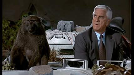 The Naked Gun: From the Files of the Police Squad! / Naked