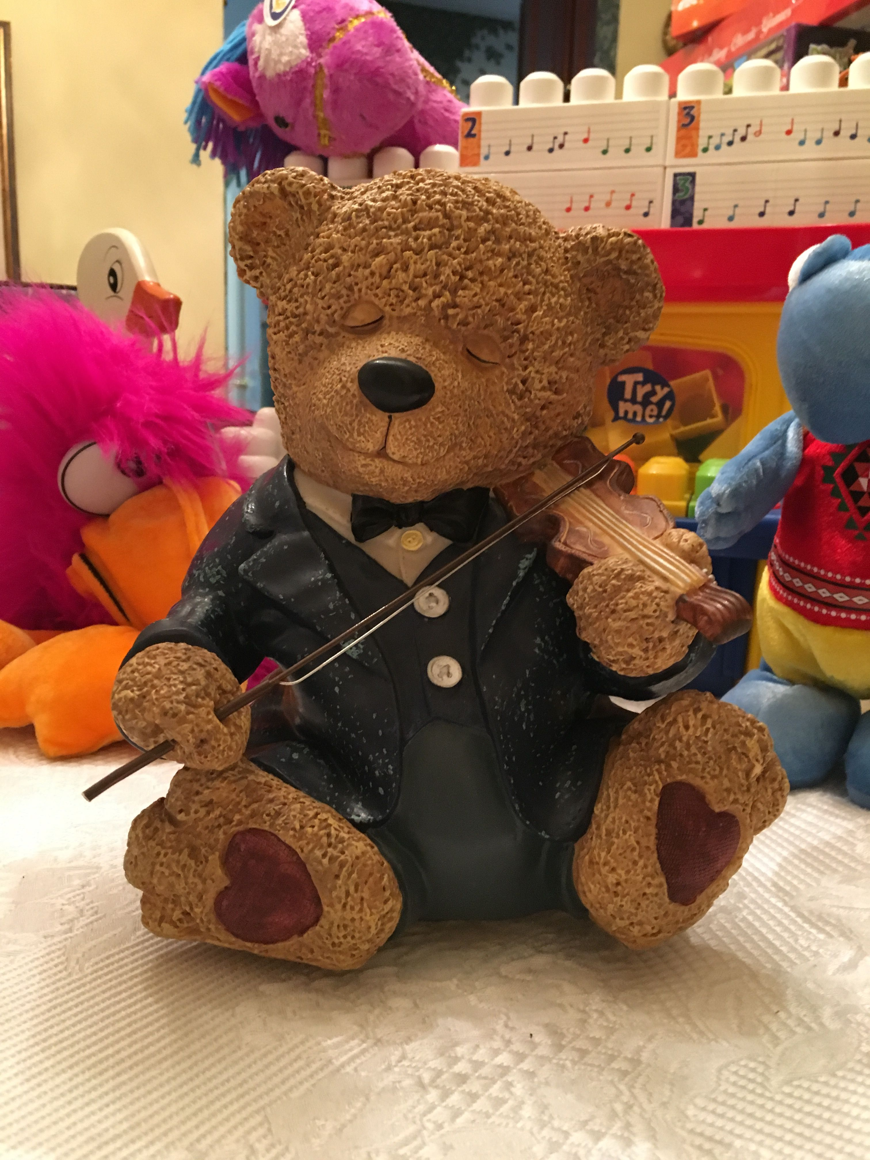 Stradivarius Sam (called Teddy Stringfellow in BE credits); shown in ...