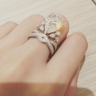 Before The Big Day Yeung Showed Off Her Blinding Engagement Ring Expensive Wedding Rings Diamond Engagement Rings Diamond Wedding Rings