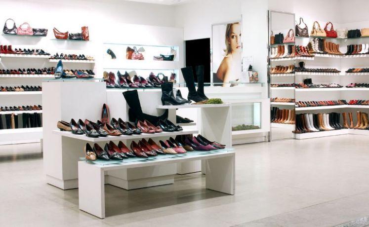 Muebles exhibidores para zapateria buscar con google for Imagenes de muebles para zapatos