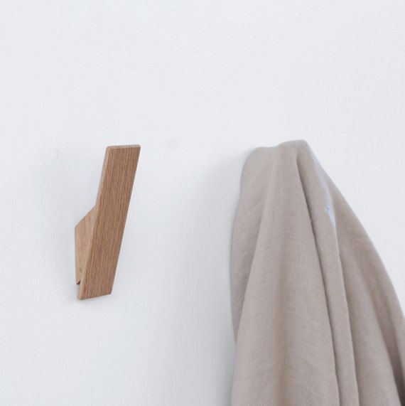 Oak Wall Hooks For A Modern Interior Minimalist Design And Scandinavian Style With Hidden Fixings And Easy To Install Pateres Salle De Bain Pateres Murale Et Meuble A Fabriquer Soi Meme