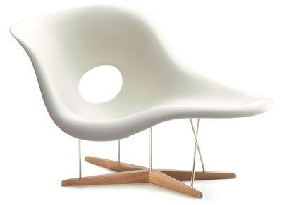 Poltrona Di Eames.Poltrona La Chaise Di Charles E Ray Eames Per Vitra