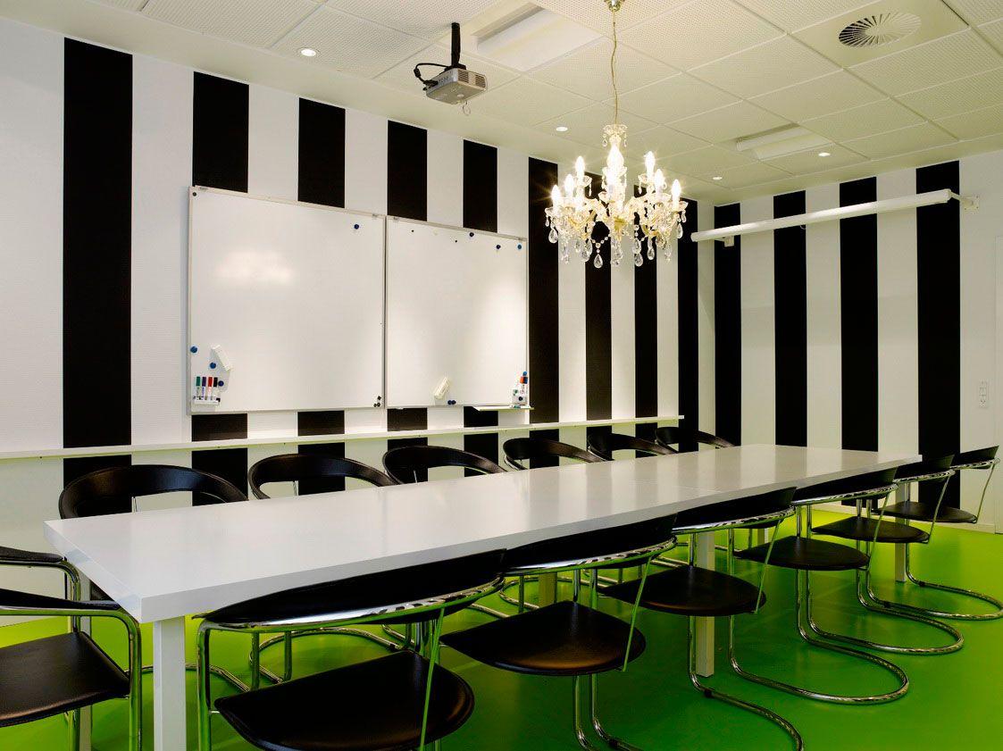 Furnituremodern concept meeting room design with white large meeting table and black sled base office interior