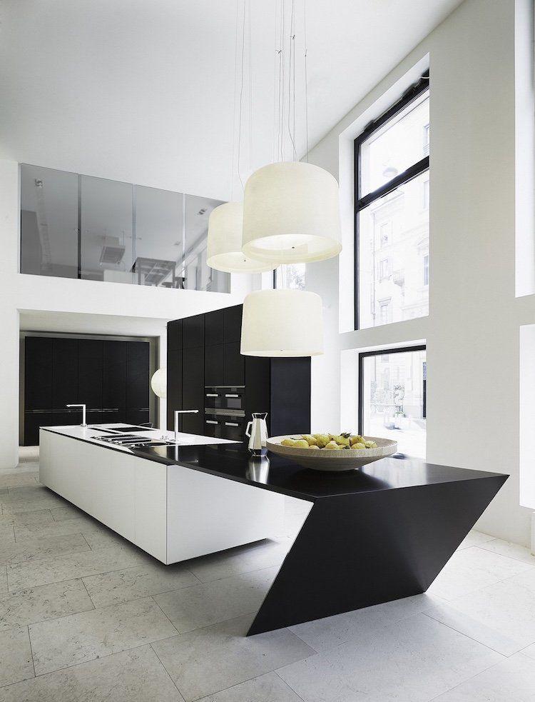 cuisine-blanc-et-noir-grand-ilot-noir-blanc-style-futuriste