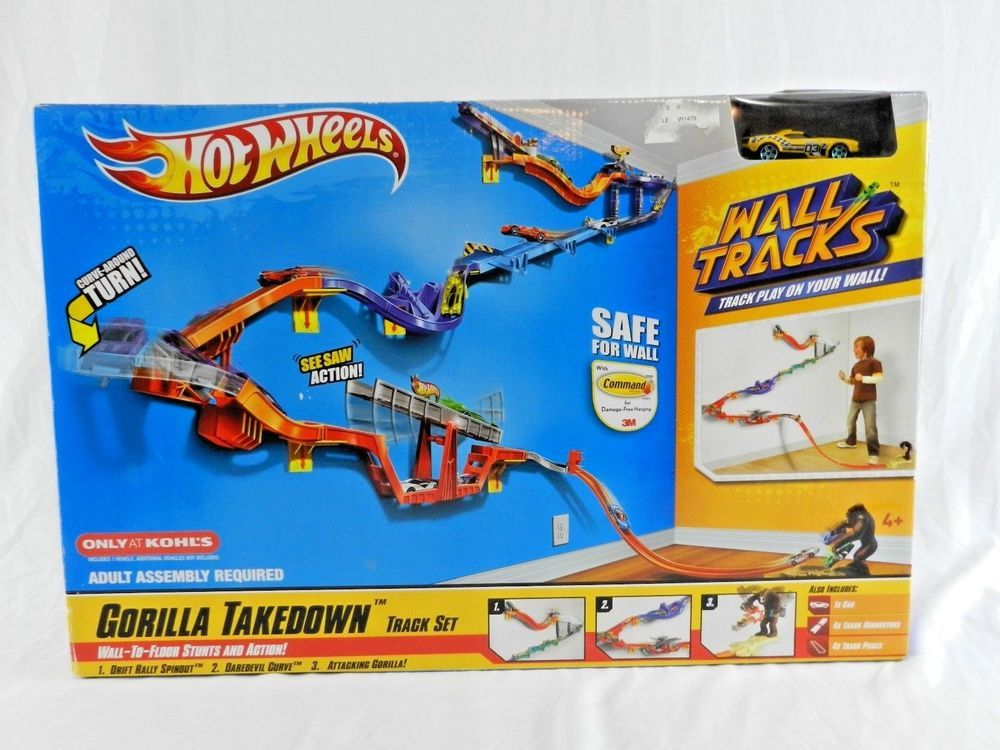 New Hot Wheels Wall Tracks Gorilla Takedown Track Set Car Stunt Jump