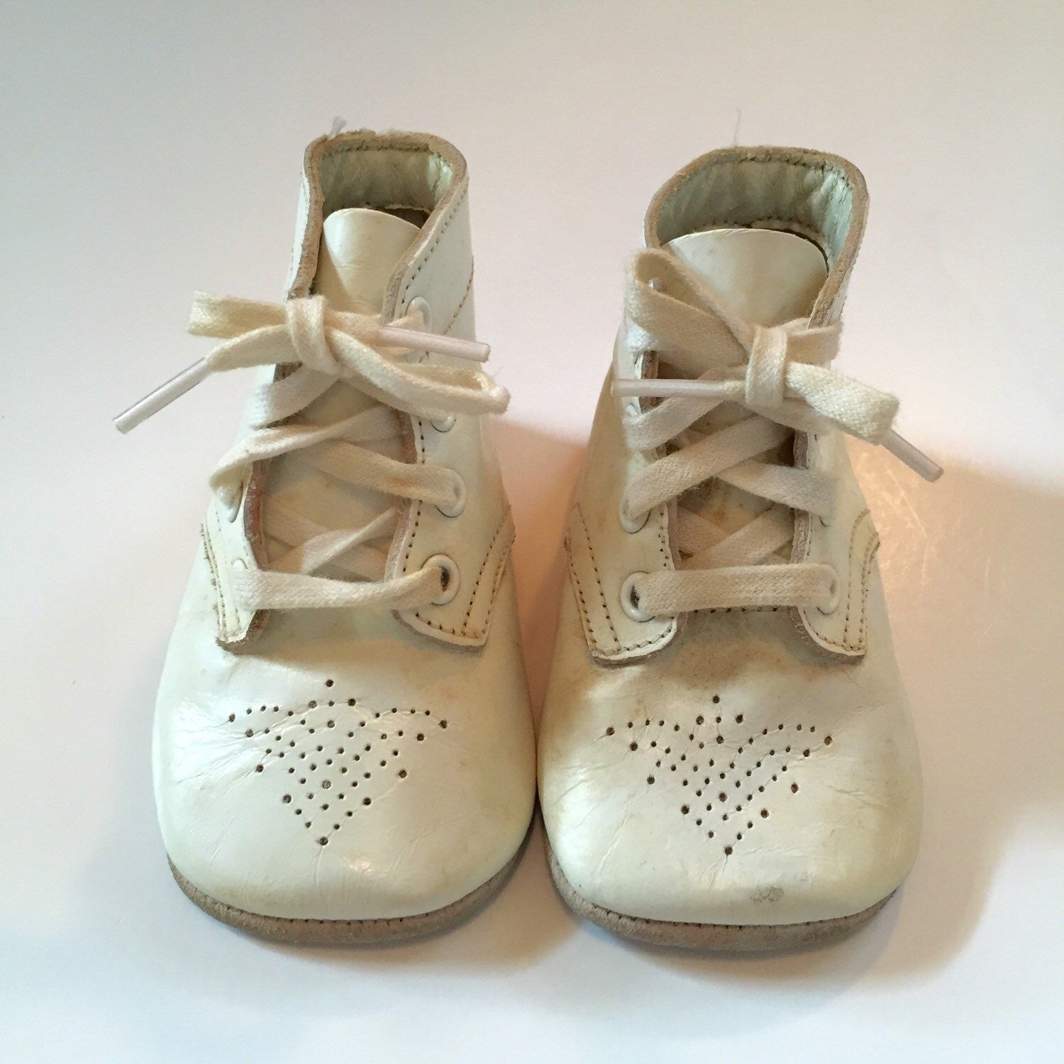 Boy s or Girls 50 s Vintage White Leather Baby Shoes Vintage Baby