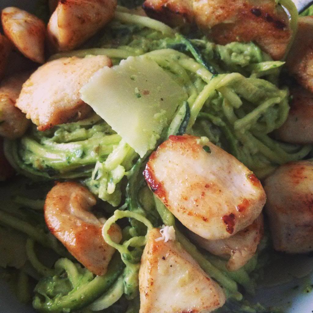 Zucchini pasta & pesto