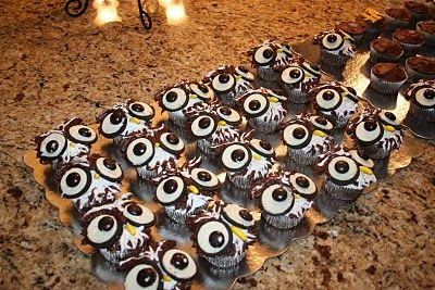 Harry Potter Party owl cupcakes.