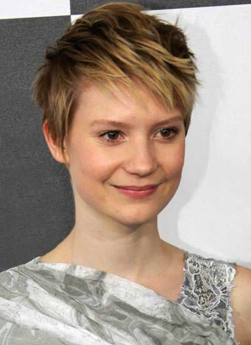 20 Most Chic Celebrity Pixie Cuts You Should See   http://www.short-haircut.com/20-most-chic-celebrity-pixie-cuts-you-should-see.html