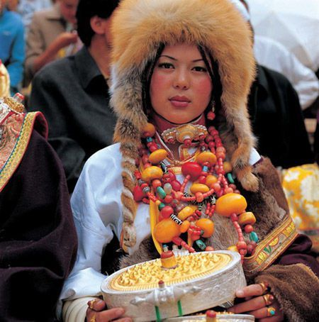 sang-ge-si-you-tibetan-hat-for-womenjpg (450×454) Varie