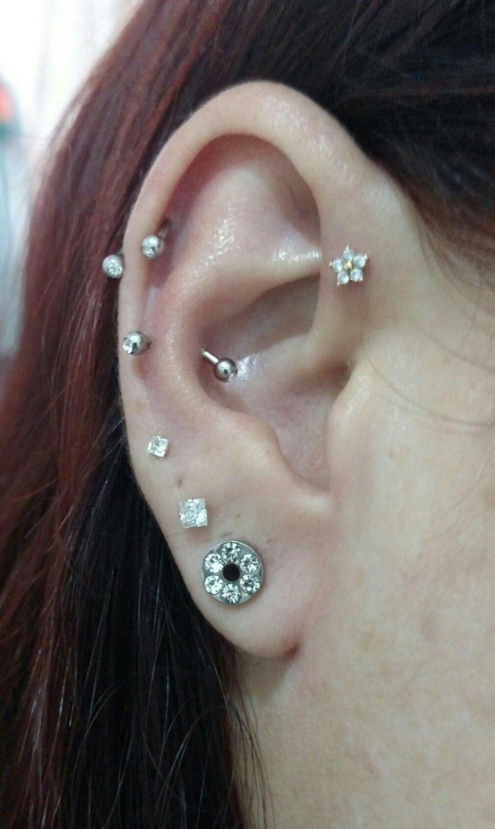 Nose piercing through the middle  Meu novo Snog e Helix flor  Piercings  Pinterest  Piercings