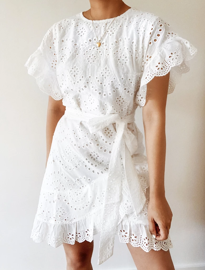 Romantic Getaway Dress Breath Of Youth Getaway Dress Dresses White Dresses Graduation [ 1024 x 780 Pixel ]
