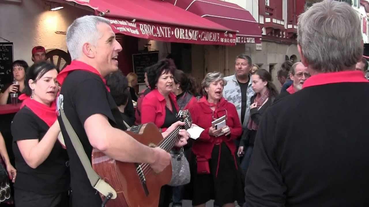 Epingle Sur Chants Basques