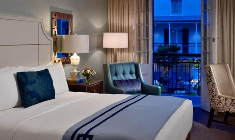 Fil doux fabrics in the royal sonesta new orleans design for Decor hotel fil
