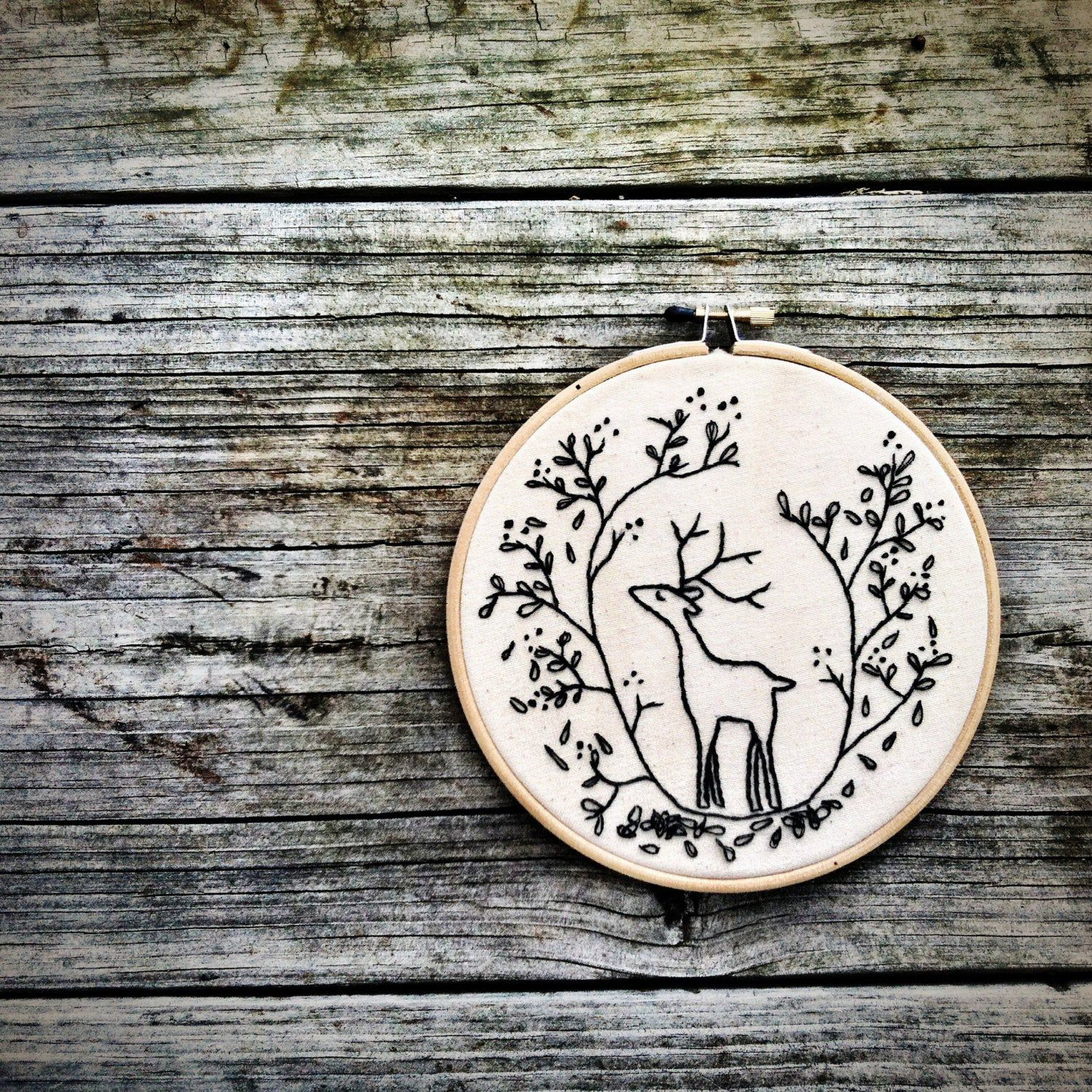 DIY holiday Embroidery Pattern . Christmas diy Embroidery Hoop Art . Deer . diy gift Woodland Forest Critters Nature Cerf Instant download
