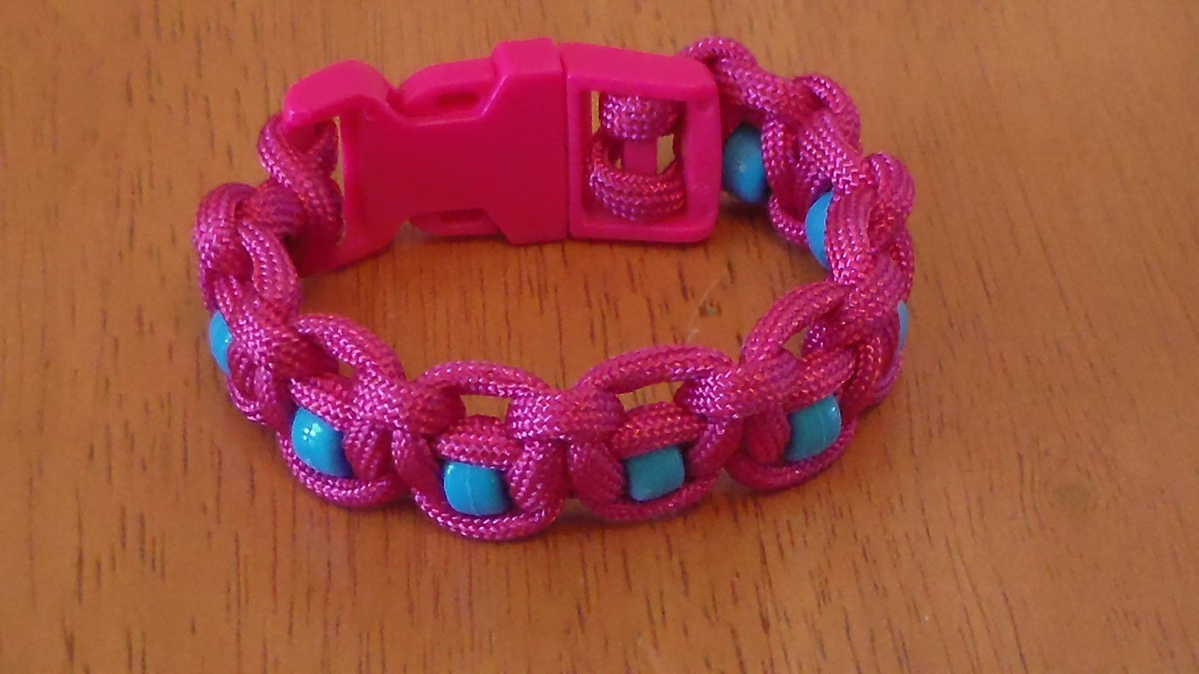How to make a beaded paracord bracelet part cool things to