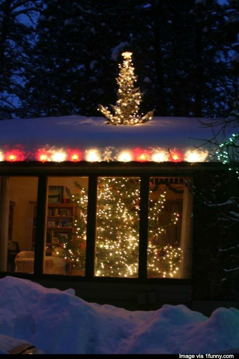 Christmas Tree   17 Reasons to Move During the Holidays