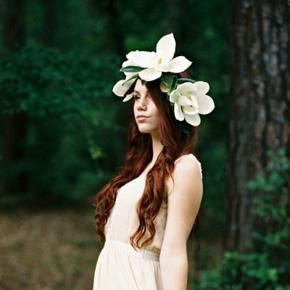 Diy How To Make A Fresh Magnolia Flower Crown Boho Wedding Inspiration Boho Chic Wedding Bridal Floral Crown