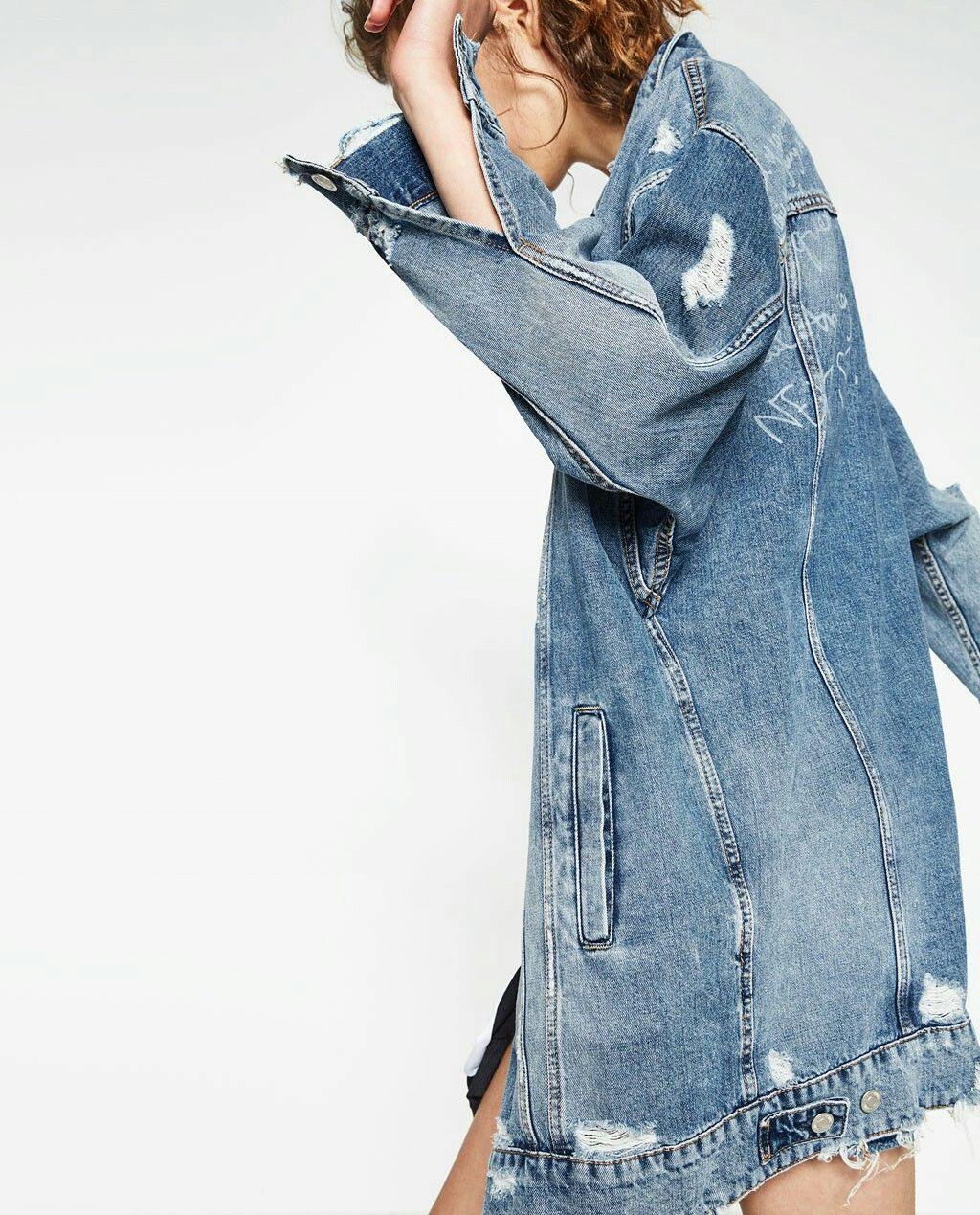 MUST HAVE • Long Denim Jacket • ZARA