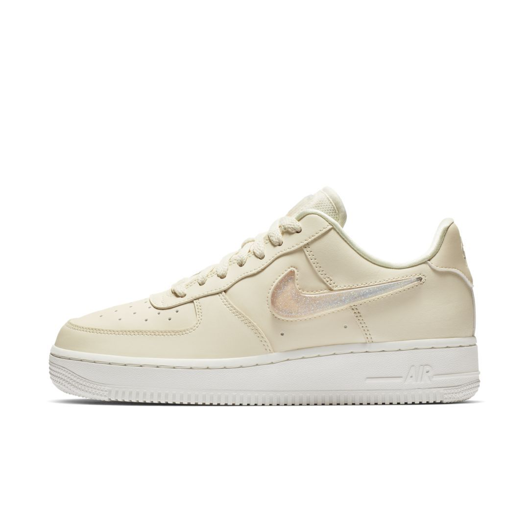 size 40 86ff6 36d9d Nike Air Force 1  07 SE Premium Shoe Size 6.5 (Pale Ivory)
