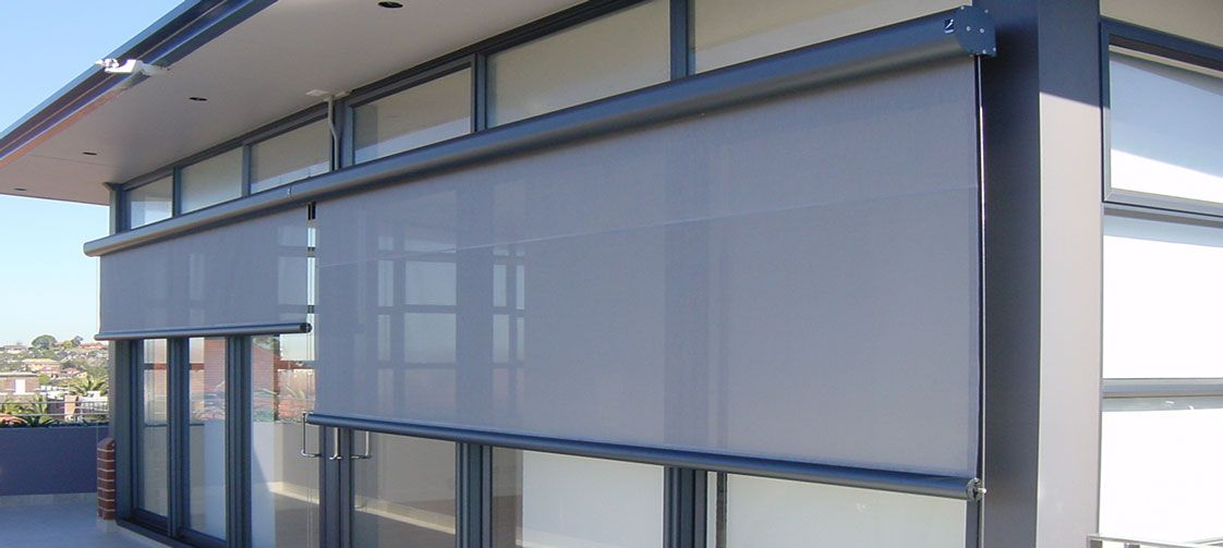 6 reasons to install outdoor roller blinds blinds for Exterior window shade