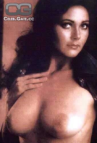 linda desnuda de Fake carter
