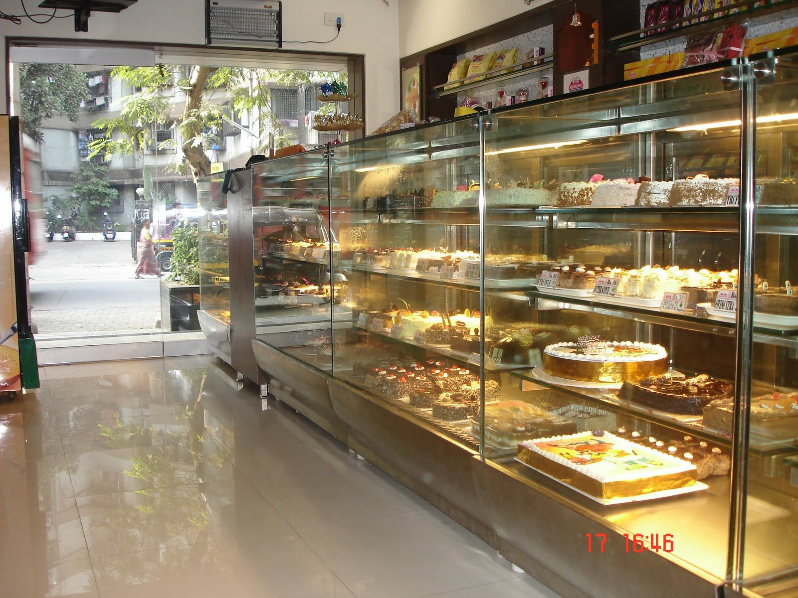 Images Shop Google Search Cake Shop Interior Bakery Shop Design Bakery Design