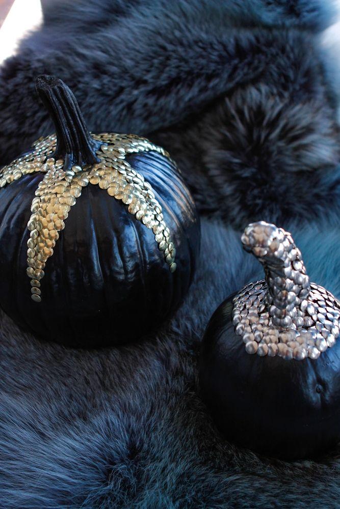 halloween_designer_pumpkin_decoration_spray_paint_thumb_tacks_metallic_black_gold_silver_chic_fur_dark_eyeswoon-31