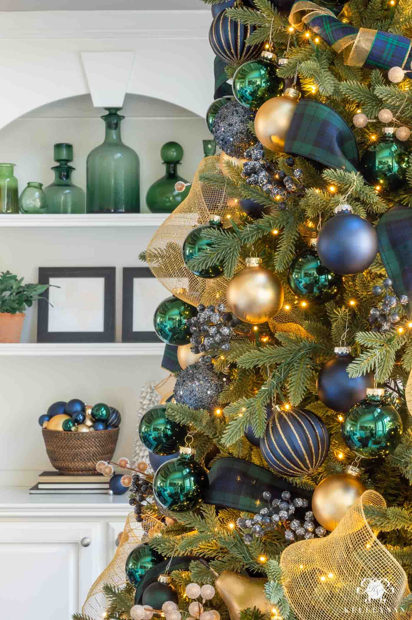 Holiday Home Tour - Collection of Christmas Decorating Ideas | Kelley Nan -   17 christmas tree decor 2020 blue ideas
