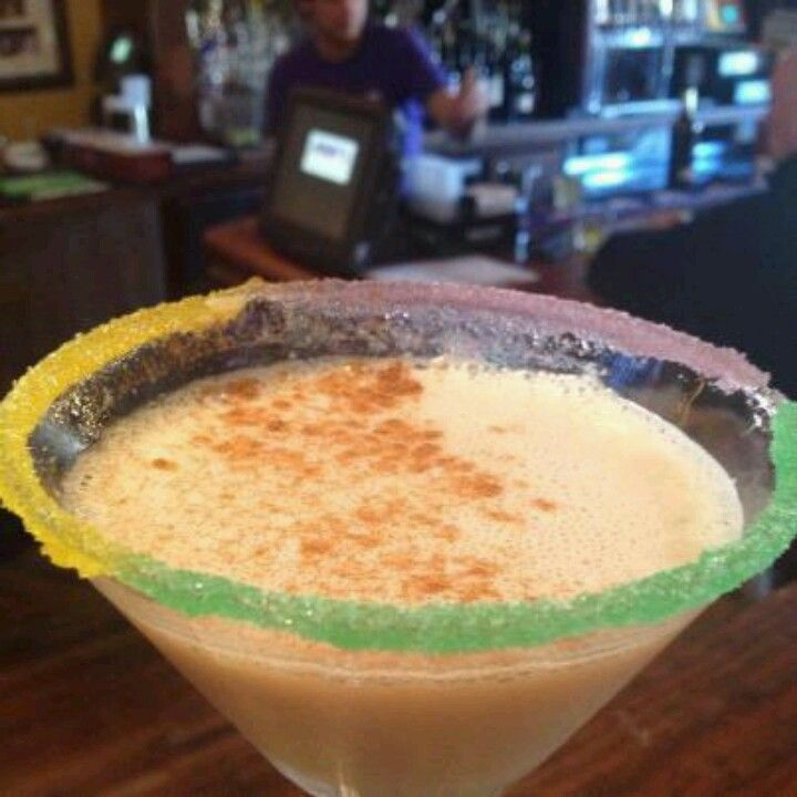 Vanilla vodka, baileys, grand marnier, amaretto =king cake martini ...